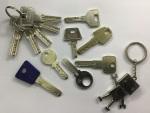 La ferre de l'avinguda - hacemos copias de llaves de puntos - fem copies de claus de punts